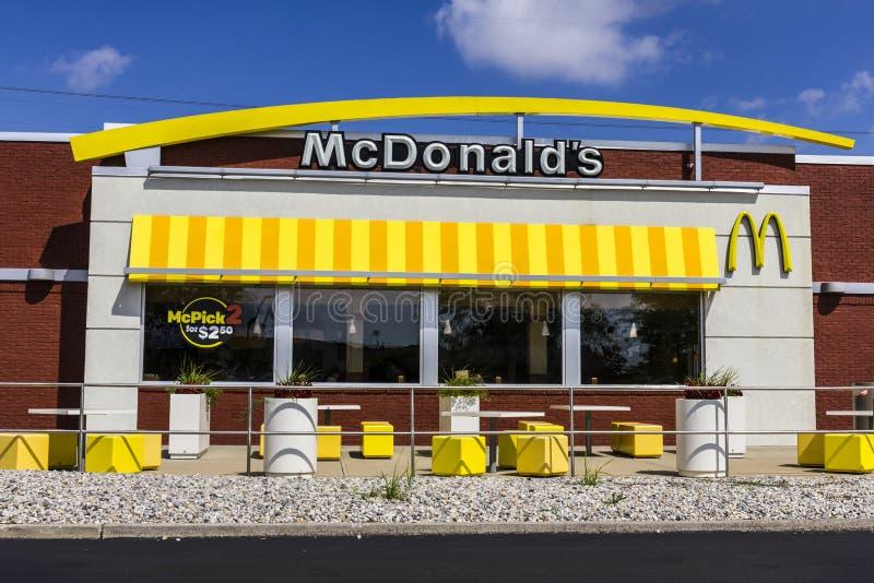 Indianapolis - circa settembre 2016: Posizione del ristorante di McDonald's McDonald's è una catena dei ristoranti dell'hamburger fotografie stock libere da diritti