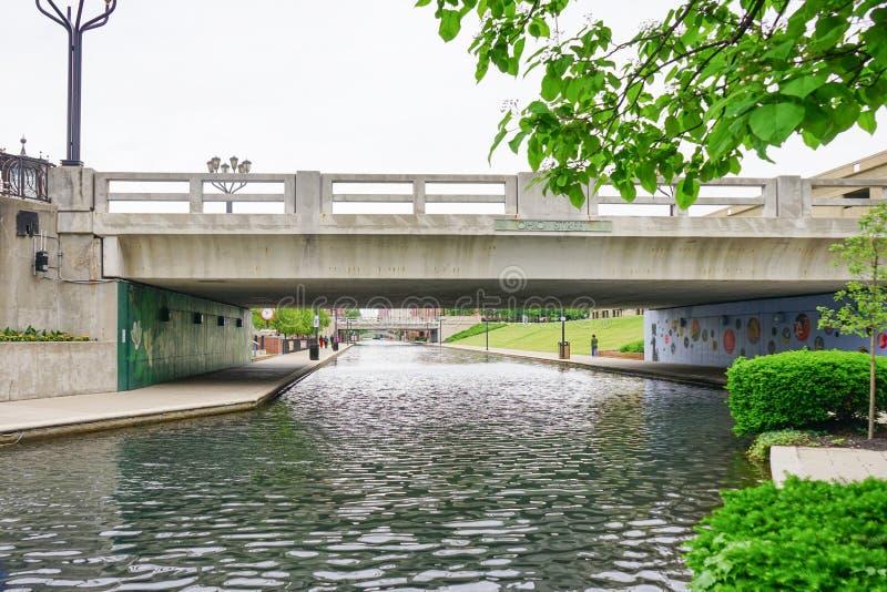 Indianapolis-Kanal und -brücke stockfoto