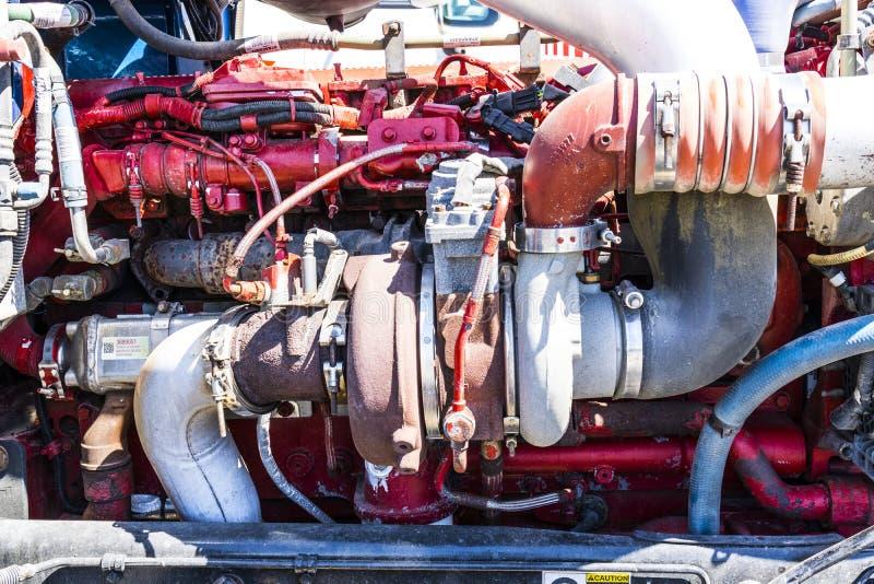 Indianapolis - Około Czerwiec 2017: Peterbuilt takielunku Semi Ciągnikowej przyczepy Duży parowozowy turbocharger Ja zdjęcia royalty free