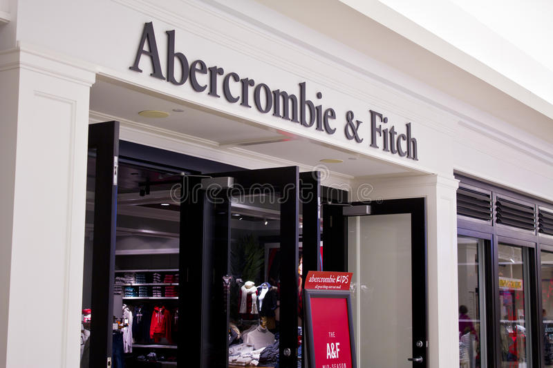 INDIANAPOLIS - OKTOBER 2015: Abercrombie & Fitch Clothing Store in Indianapolis I royalty-vrije stock fotografie
