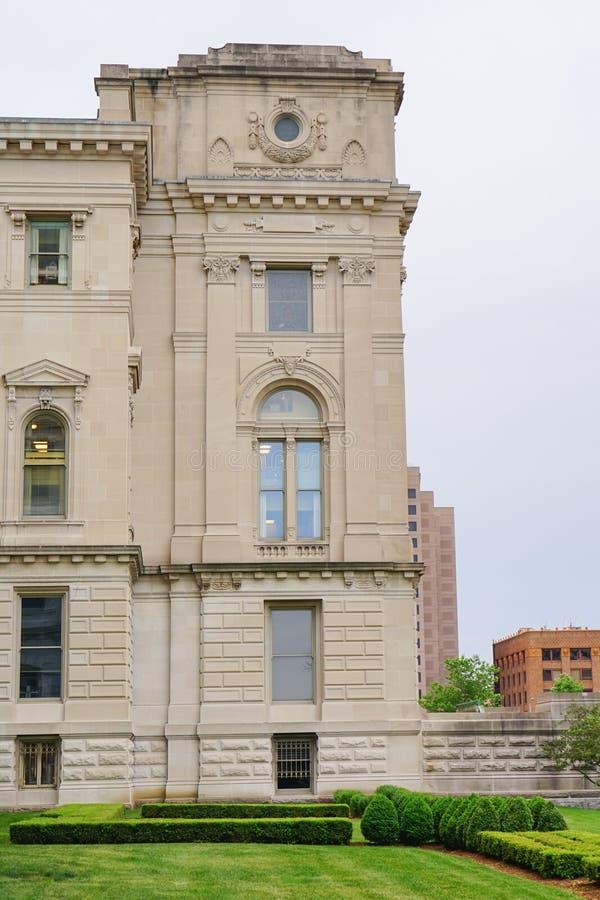 Indianapolis-Stadtkanal und -brücke lizenzfreie stockfotos