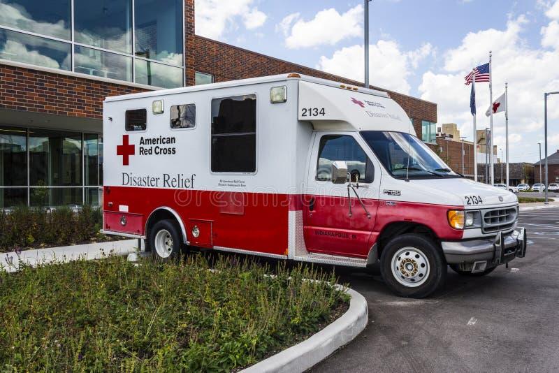 Indianapolis - vers en août 2016 : Secours en cas de catastrophe américain de Croix-Rouge Van II photos libres de droits
