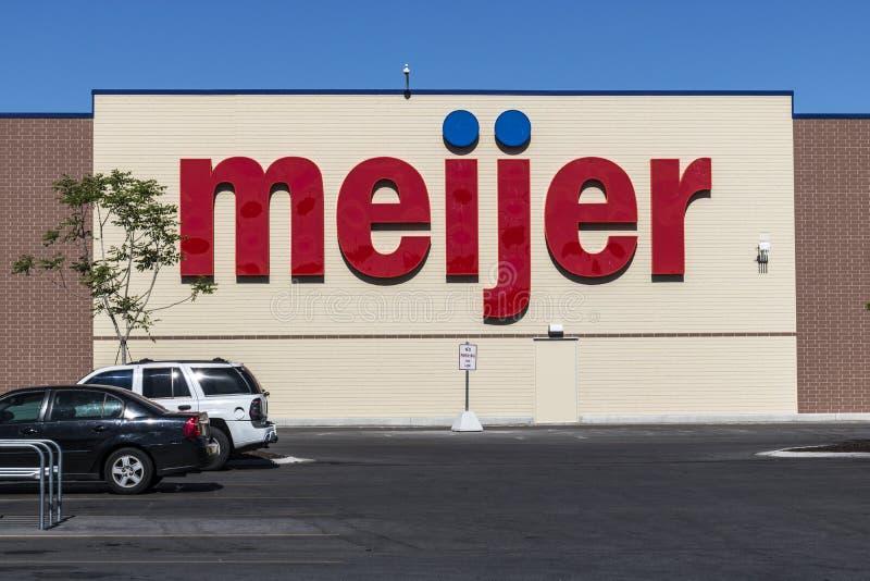 Indianapolis - vers en juin 2017 : Emplacement de vente au détail de Meijer Meijer est un grand type détaillant de supercenter av photos stock