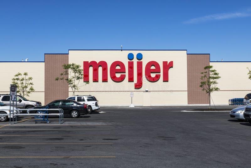 Indianapolis - vers en juin 2017 : Emplacement de vente au détail de Meijer Meijer est un grand type détaillant de supercenter av image stock