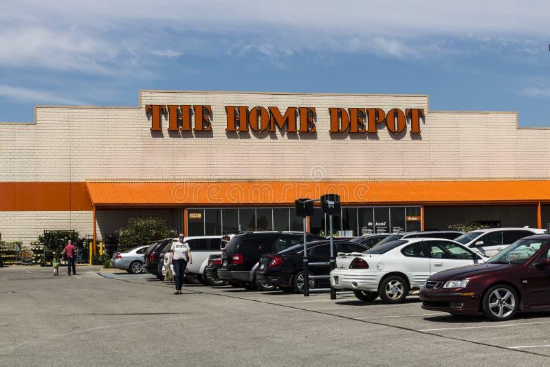 Indianapolis - vers en mai 2017 : Emplacement de Home Depot Home Depot est le plus grand détaillant d'amélioration de l'habitat a images libres de droits