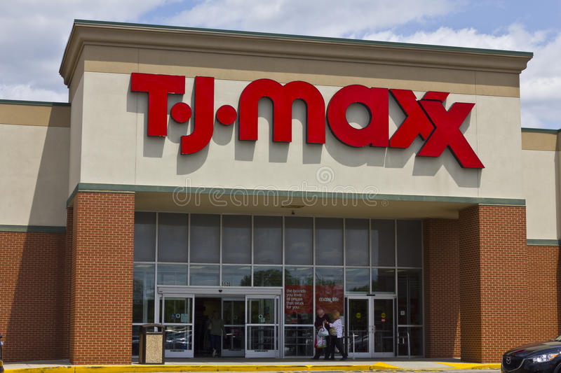 Indianapolis - vers en mai 2016 : T J Maxx Retail Store Location I photos libres de droits