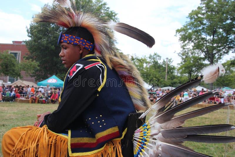 Indiandansare på pow-överraskar arkivbilder