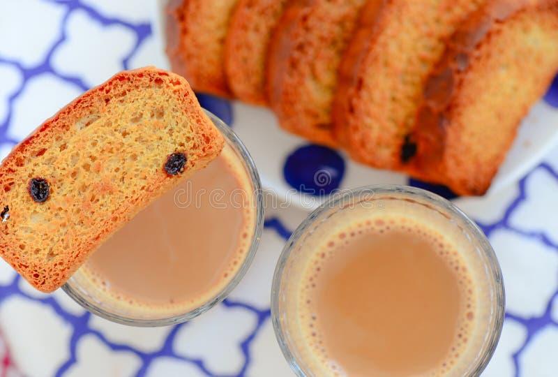 Indiano chai - tè e pane tostato immagine stock libera da diritti