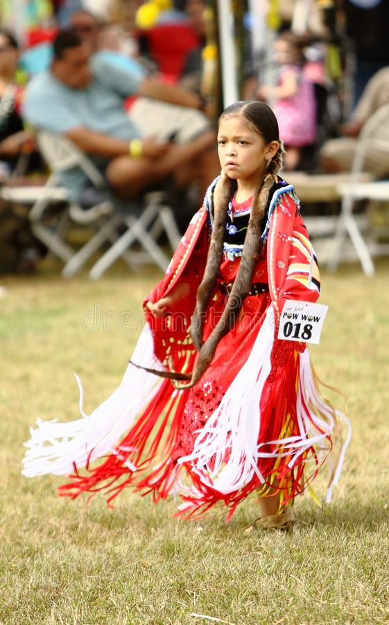 Indianpowen överraskar dansare royaltyfri foto