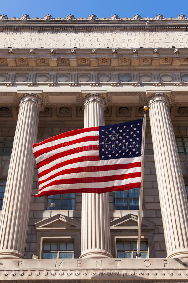 Indicador americano en el Ministerio de edificio del Comercio en lavarse imagenes de archivo