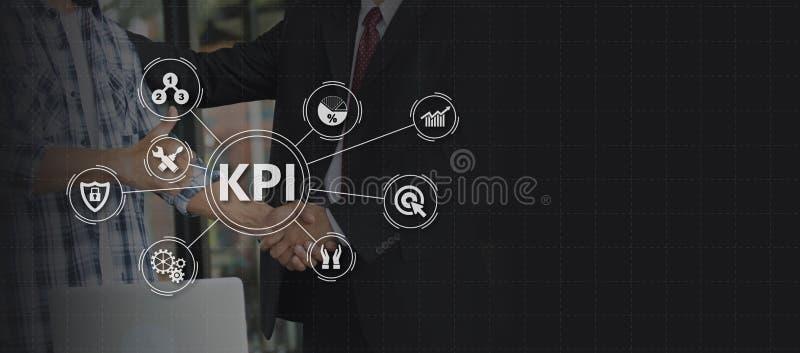 Indicador de desempenho chave KPI usando o fundo do negócio com i fotografia de stock royalty free