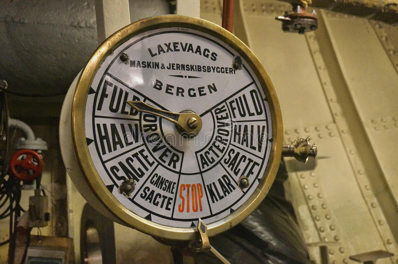 Indicador de parada do começo da máquina no navio imagem de stock