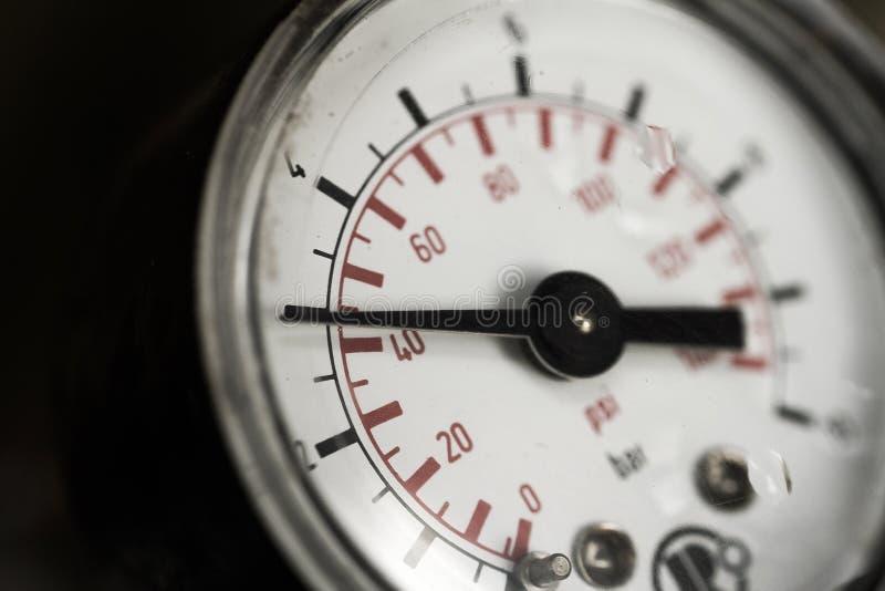 Indicador de presión de agua imagenes de archivo