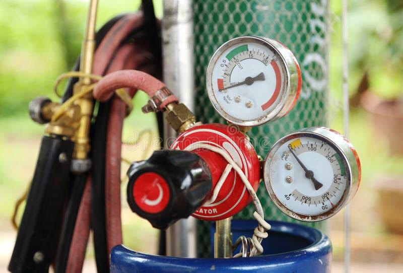 Indicador de presión del cilindro de gas de la soldadura foto de archivo libre de regalías