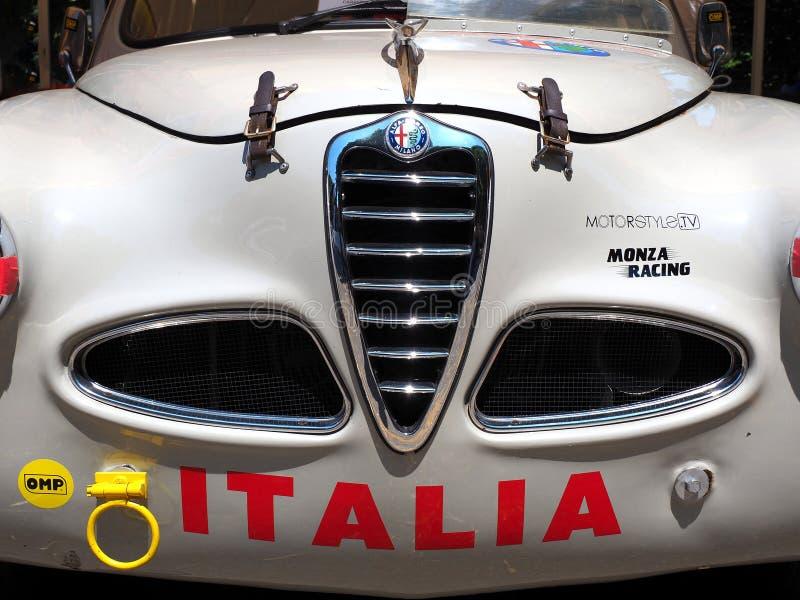 Indicador decorativo de um tenement hist?rico Carro desportivo e histórico de Alfa Romeo Detalhes da carroçaria fotografia de stock