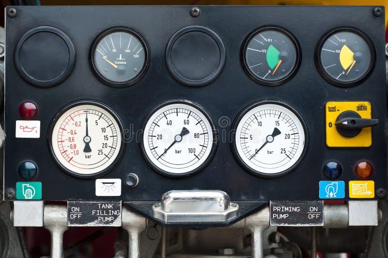 Indicador del sistema de control del extintor. fotos de archivo