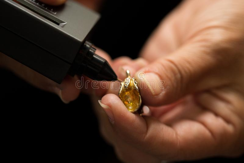 Indicador do diodo emissor de luz de Diamond Tester Gemstone Seletor Gem imagens de stock