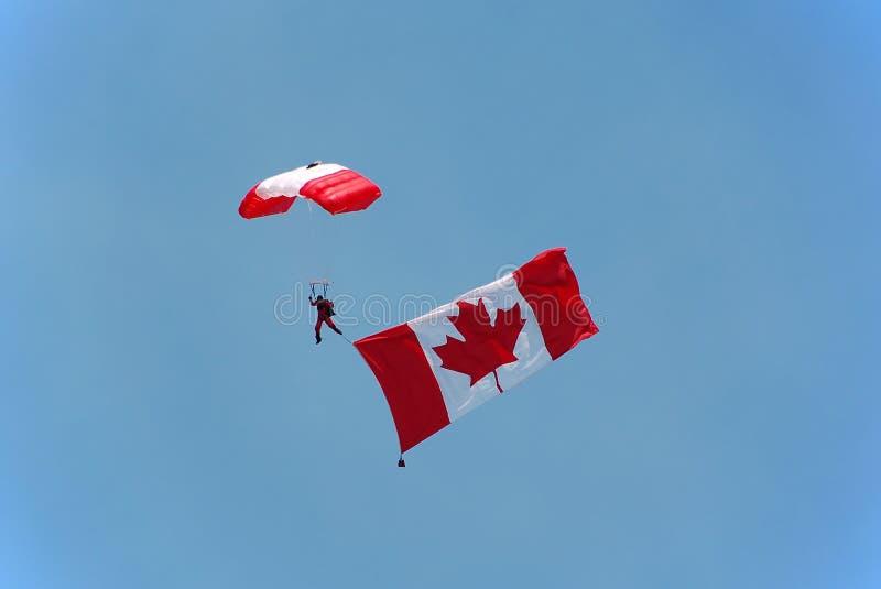 Indicador que lleva del paracaidista canadiense imagen de archivo libre de regalías