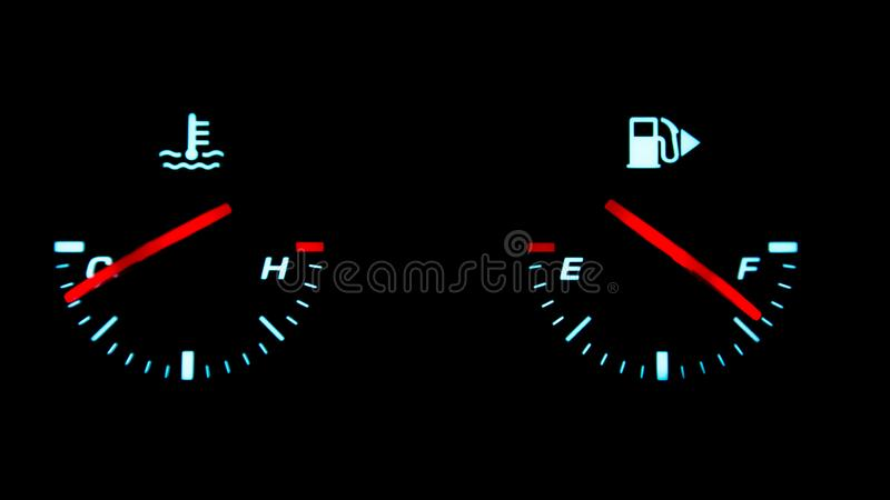 Indicadores da temperatura do combustível e do motor no painel fotos de stock royalty free