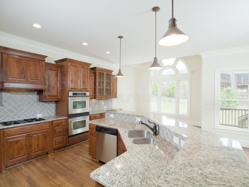 Indicadores interiores Home luxuosos modelo do arco da cozinha imagens de stock