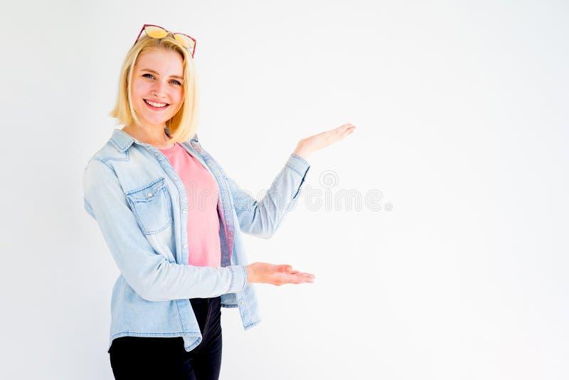 Indicare alla moda della ragazza immagini stock