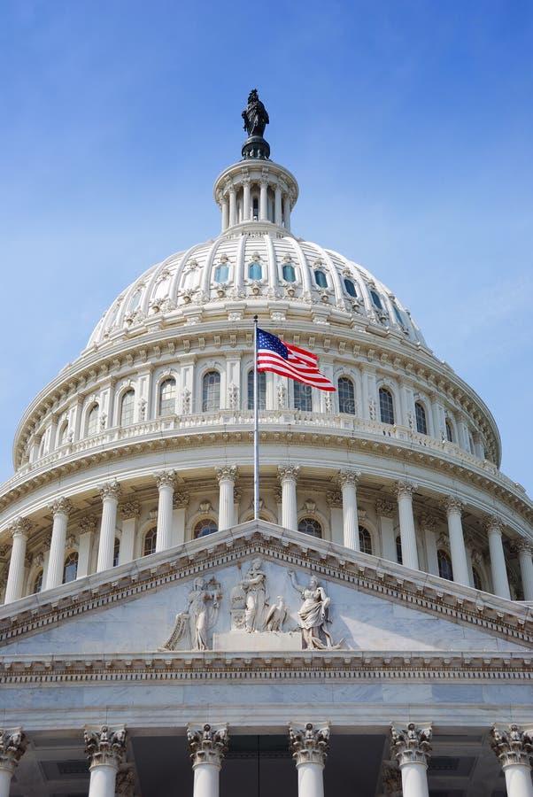 Indicateur des USA et Capitol Hill, Washington DC photos stock