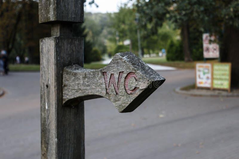 Indicateur en parc d'automne Autumn Landscape photographie stock
