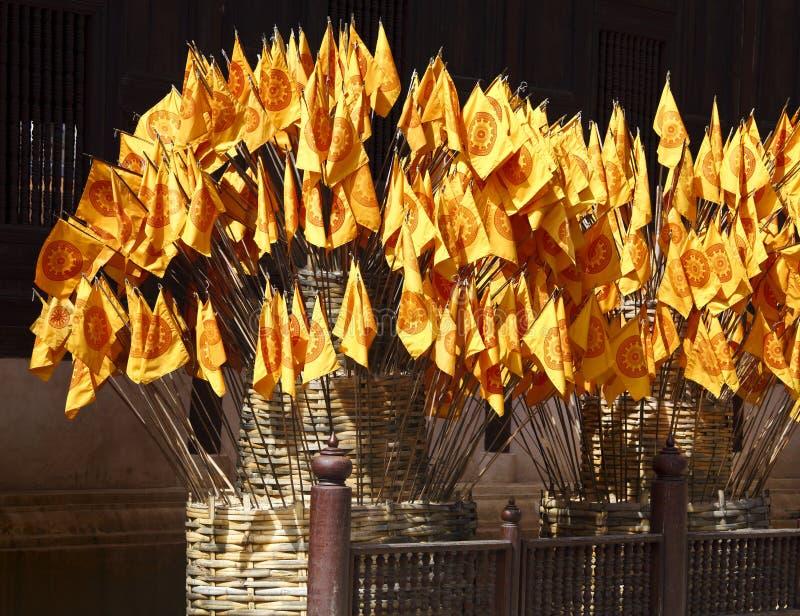 Indicateurs bouddhistes photo libre de droits