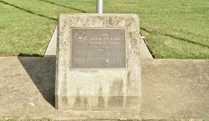 Indicatore di dedica del parco di Deermont, Bartlett, TN fotografia stock