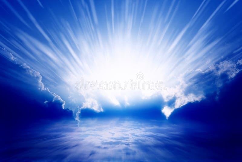 Indicatore luminoso dal cielo fotografie stock libere da diritti