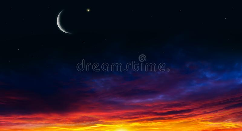Indicatore luminoso dal cielo Priorit? bassa di religione Il cielo alla notte con le stelle Nuova luna Priorit? bassa di Ramadan  immagine stock