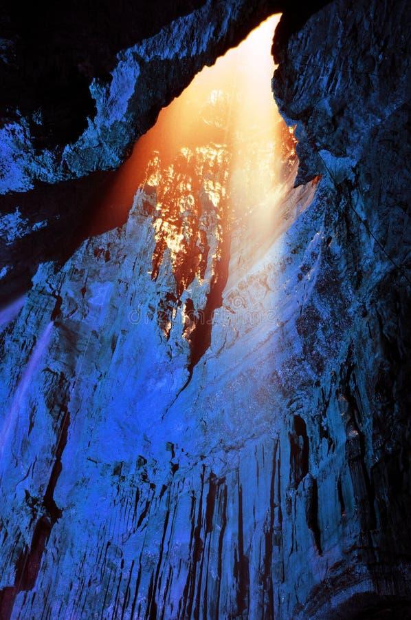 Indicatore luminoso dal di cui sopra - caverna meravigliata della branchia immagini stock