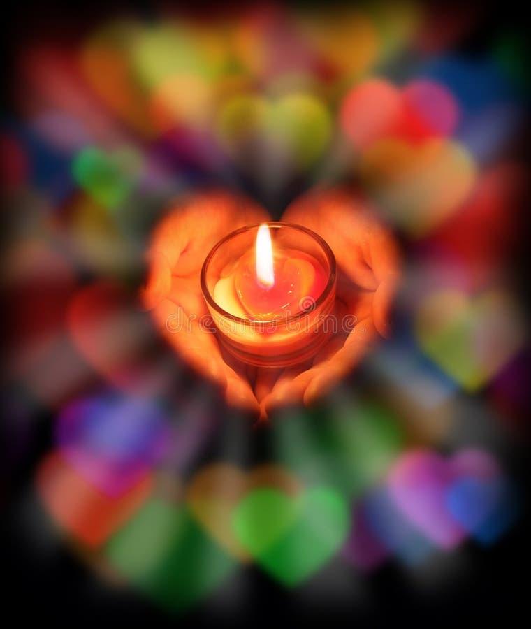 Indicatore luminoso della candela con amore