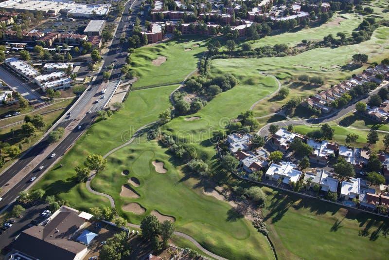 Indicatore luminoso di mattina sul terreno da golf fotografia stock