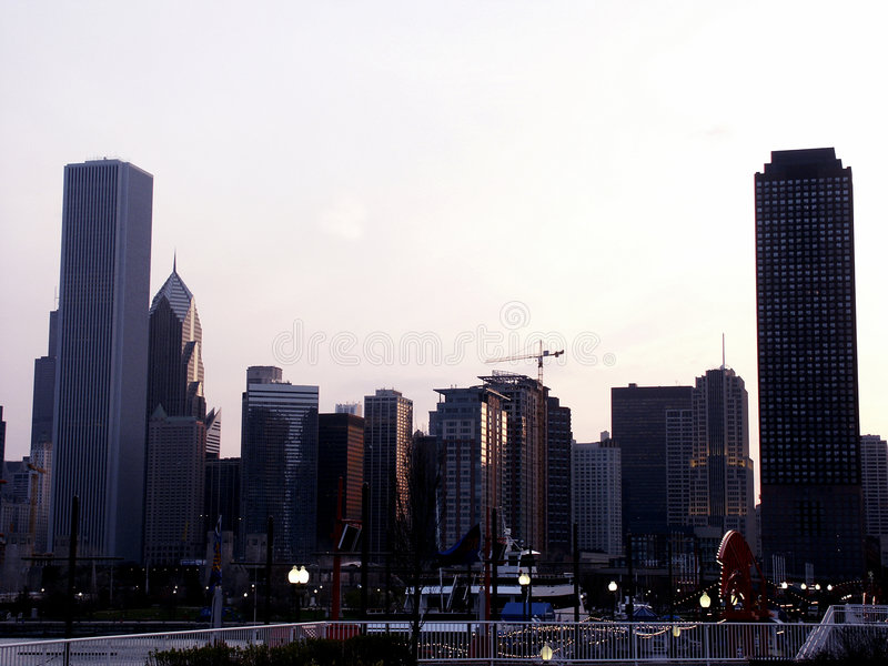 Download Indicatore Luminoso Di Sera Immagine Stock - Immagine di cityscape, appartamento: 206545