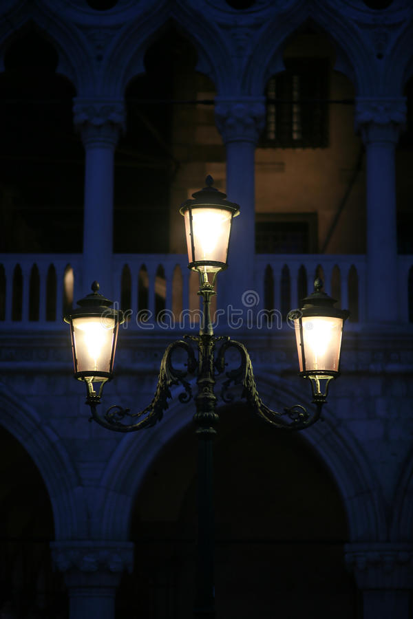 Indicatore luminoso di via di Venezia fotografia stock