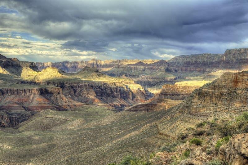 Indicatore luminoso drammatico del grande canyon fotografie stock