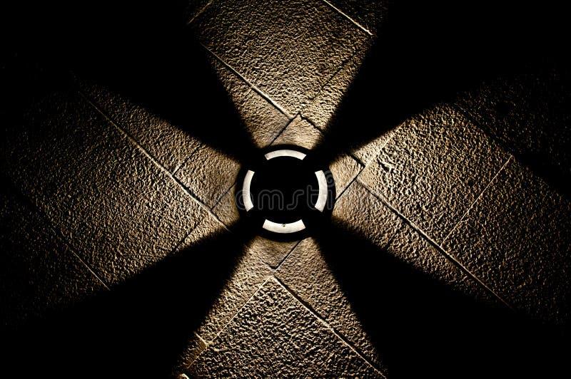 Indicatore luminoso sulla pavimentazione immagini stock
