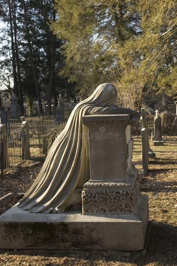 Indicatore piangente della tomba della donna immagini stock libere da diritti