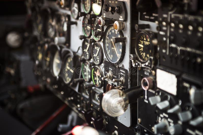 Indicatori della cabina di pilotaggio fotografia stock libera da diritti