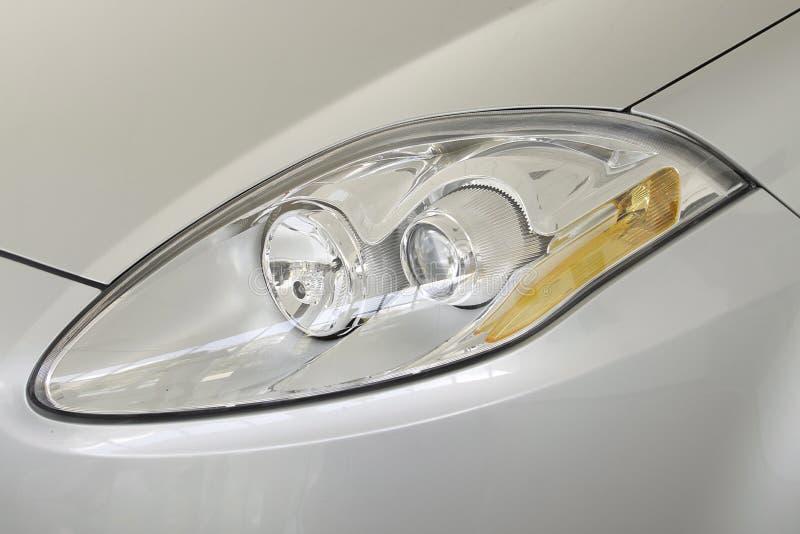 Indicatori luminosi capi di un'automobile fotografia stock libera da diritti
