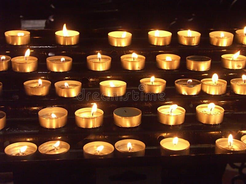 Indicatori luminosi della candela fotografia stock libera da diritti