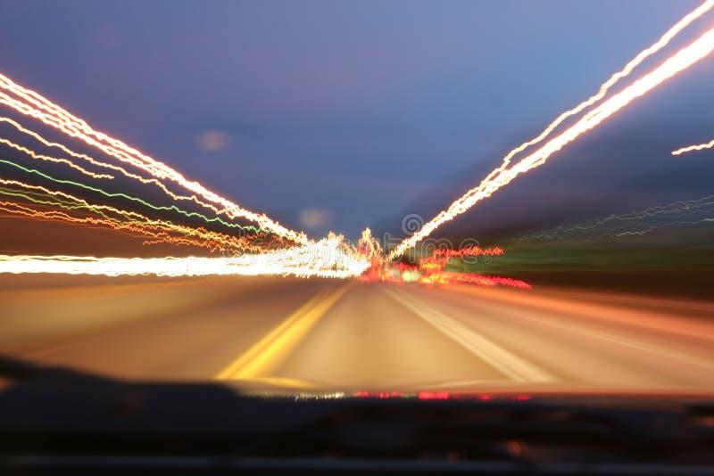Indicatori luminosi della strada principale fotografia stock