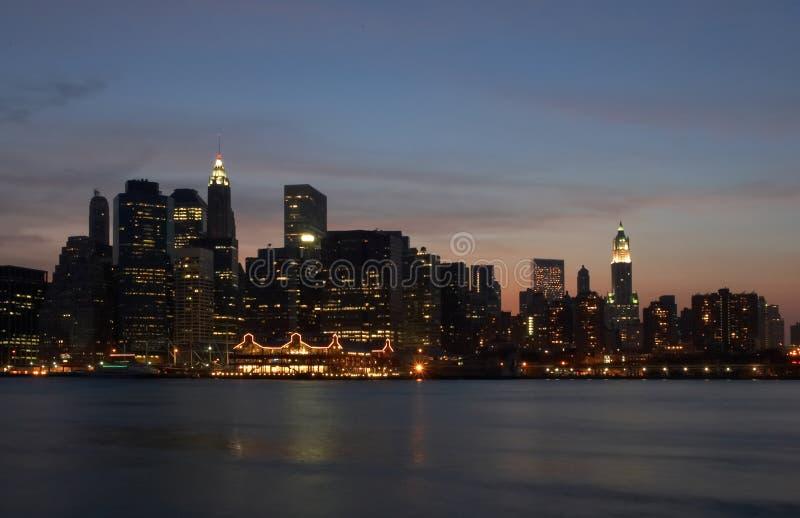 Download Indicatori Luminosi Di Manhattan Fotografia Stock - Immagine di architettura, rifletta: 217080