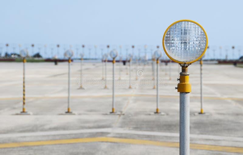 Indicatori luminosi di pista fotografie stock