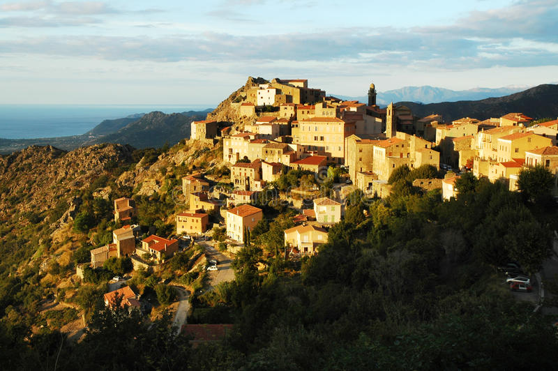 Indicatori luminosi in Speloncato, Corsica di sera immagini stock libere da diritti
