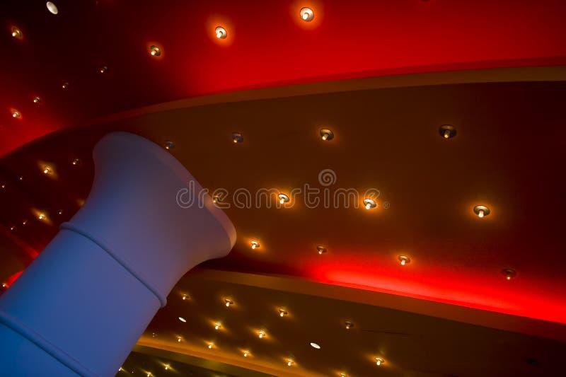 Indicatori luminosi su un soffitto del teatro fotografia stock libera da diritti