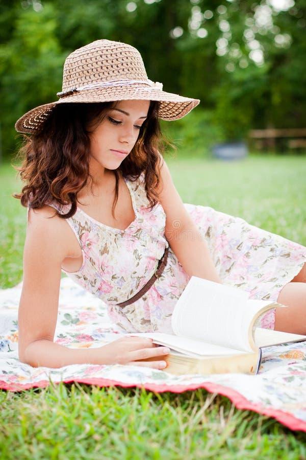 Indicazione, leggendo fotografie stock