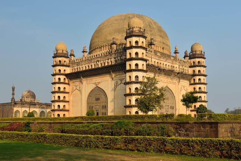 Indien, Bijapurtomb av Mohammed Adil Shah royaltyfri bild