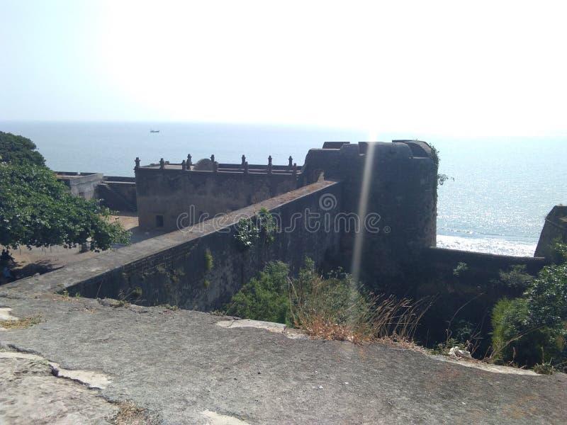 Indien in Diu altes berühmtes Fort nahe Meer stockfotos